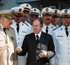 بين أنصار المرحلة الانتقالية ودعاة انتخابات 12 ديسمبر